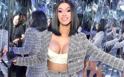 Cardi B láme rekordy, jej album je najstreamovanejším ženským rapovým počinom v histórii Spotify