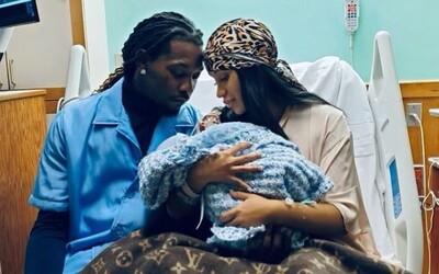 Cardi B porodila svoje druhé dieťa. Či je to chlapček alebo dievčatko, zatiaľ neprezradila