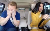 Cardi B v novom Carpool Karaoke priznala, že má 5 áut, no nevie šoférovať. Zatancovala si aj s dôchodcami