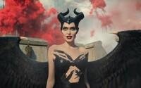 Čarodejnica Angelina Jolie sa vracia prvom traileri pre pokračovanie temnej fantasy rozprávky Maleficent