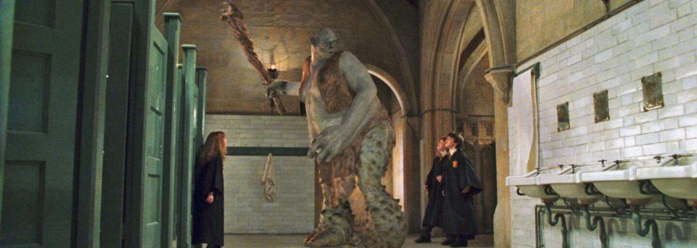 Čarodejníci na Rokforte vykonávali potrebu kade chodili. Chýbali im totiž toalety