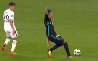 Casemiro z Realu Madrid předvedl nejkomičtější simulování, po kterém se mu vysmál i komentátor