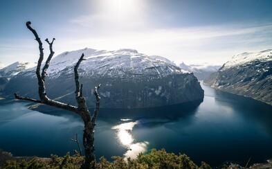 Časozberné video nórskych fjordov vo vás vyvolá pocit, že budete chcieť okamžite navštíviť túto krajinu