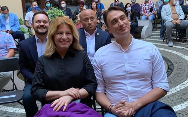 S priateľom divadlo, s ministrami životné prostredie a spravodlivosť. Čo rieši prezidentka, kým sa koalícia háda kvôli Kollárovi?