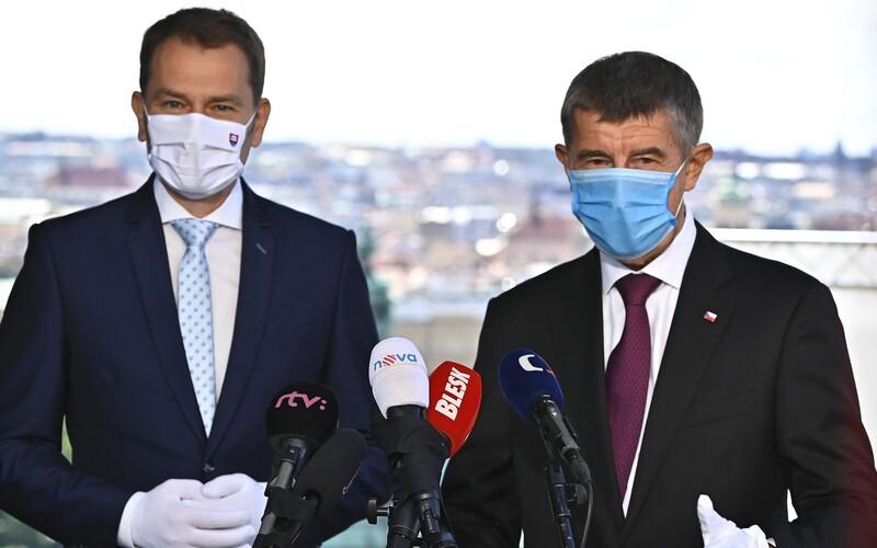 Od půlnoci se ruší kontroly na hranicích se Slovenskem, bude možný volný pohyb.