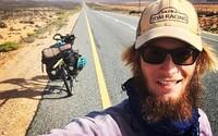 Čech projel Afriku od severu k jihu na kole. V nohách má 13 tisíc kilometrů, překonal Saharu a viděl hroznýše i šakaly