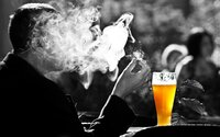 Čech vykouří v průměru 53 cigaret týdně a vypije 7 piv. Nový průzkum ukazuje klady i zlozvyky místních