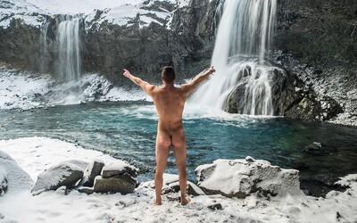 Čech vytvoril prekvapujúci fotokalendár krás Islandu. V strede fotiek totiž figuruje nahý mužský zadok