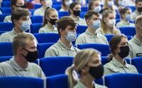 Čeká vysokoškolské studenty distanční výuka? Zeptali jsme se 7 největších českých univerzit