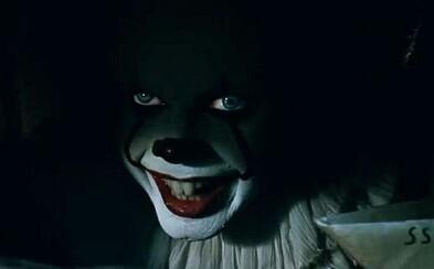 Čeľte svojmu strachu! Nová ukážka hororu It vás zavedie do zákulisia samotného nakrúcania a Stephen King prezradí, ako sa mu film páčil