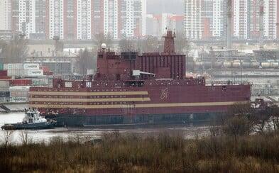 Černobyľ na vode alebo ruská plávajúca jadrová elektráreň dorazila do svojej trvalej základne