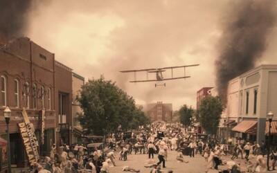Černochy na ulicích bombardovali letadly. Masakr v Tulse chtěli Američané vymazat z historie