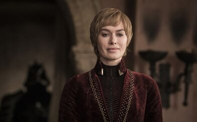 Cersei stála v okně, popíjela víno a za epizodu vydělala 500 000 dolarů. Leně Headey tleskají fanoušci na internetu