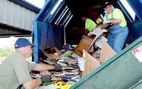 Češi a Slováci patří v třídění odpadu ke špičce. Neplýtvají jídlem a do obchodu si nosí vlastní tašky