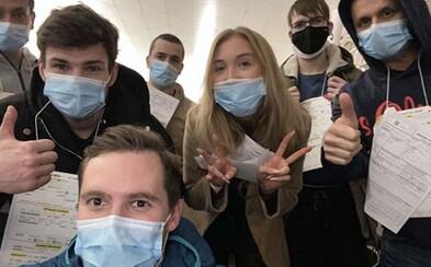 Češi, kteří se vrátili z Wu-chanu, jsou zdraví. Nákazu koronavirem vyloučil i druhý test