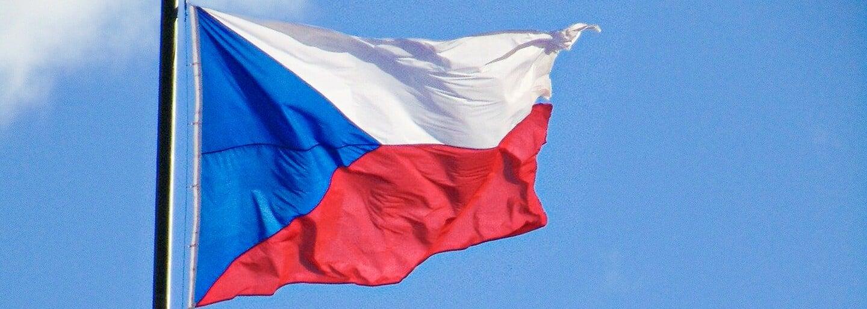 Česká vlajka slaví sto let. Původní návrhy ale vypadaly úplně jinak