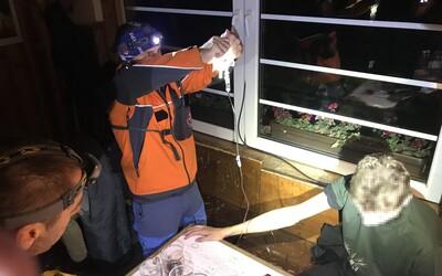 České studenty ve Vysokých Tatrách musela zachraňovat horská služba. Měli křeče a zvraceli