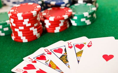 Česko bude hostit největší pokerový turnaj v historii mimo Las Vegas. Zájem je tak velký, že se cena pro vítěze zvýšila na 26 milionů korun