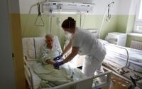 Česko hlási rekordný prírastok, pribudlo takmer 16-tisíc nových prípadov. V nemocniciach už leží vyše 8-tisíc ľudí