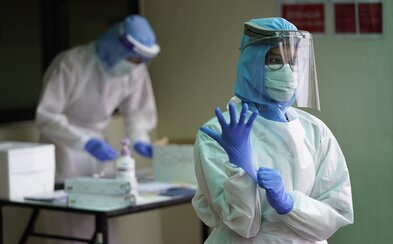 Česko má 144 zdravotníků nakažených koronavirem