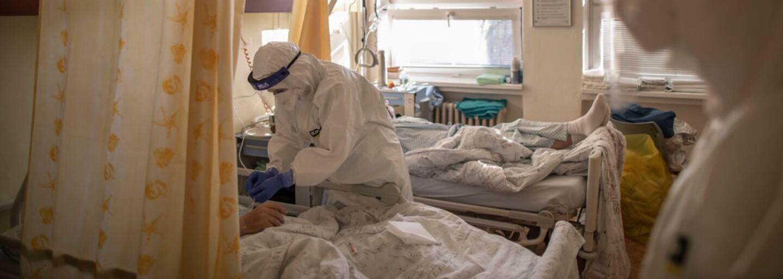 Česko má rekordní počet pacientů ve vážném stavu