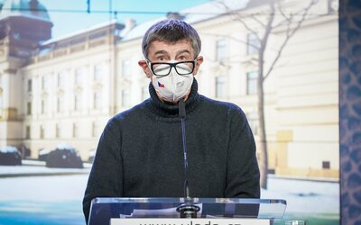 Česko musí radikálne sprísniť lockdown, tvrdí premiér Babiš. Na tri týždne plánuje zakázať cesty medzi okresmi