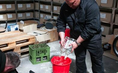 Česko nechá z 30 470 litrů ilegálního zabaveného lihu vyrobit dezinfekci