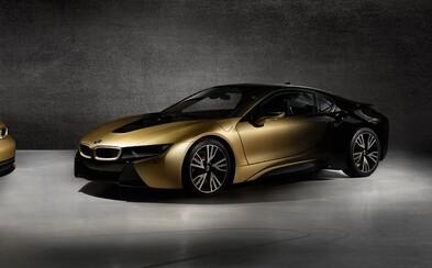 Český designér upravil dvě BMW 24karátovým zlatem