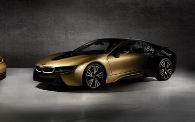 Český dizajnér pretavil dve BMW-čka na unikátnosť z 24-karátového zlata