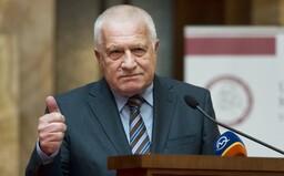 Český exprezident Václav Klaus musí zaplatiť pokutu 313 eur za to, že nemal rúško