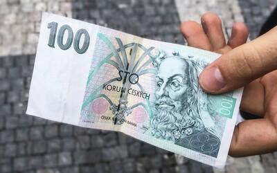 Český kontroverzní umělec vydražil obyčejnou stokorunu za 16,5 tisíce