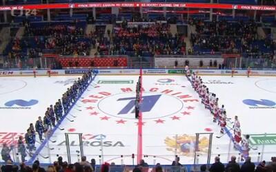 Českým hokejistům v Moskvě pustili hymnu Kazachstánu, fanoušci tu naši zazpívali sami