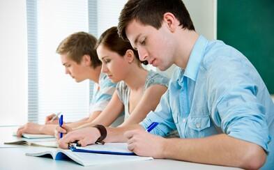 Čeští středoškoláci dnes psali písemné práce z angličtiny. Jaká měli k dispozici témata?