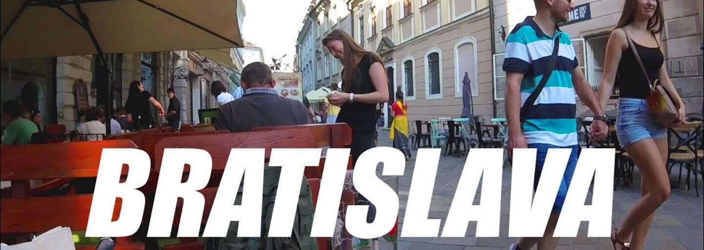 Cestoval na detský lístok a dal si guláš. Oplatí sa podľa Američana Gabriela zastaviť v Bratislave, alebo ju radšej treba obísť?