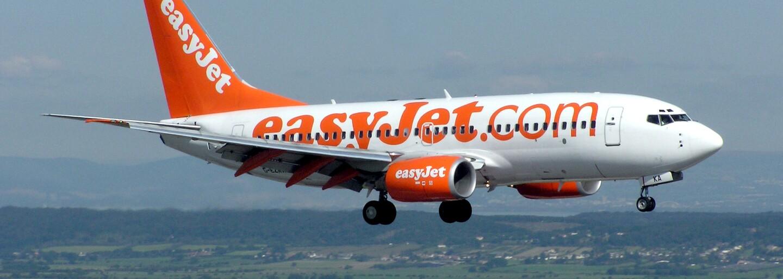 Cestující z Bristolu do Prahy se v letadle chovali tak hrozně, že byl let zrušen. Ostuda skončila zatýkáním