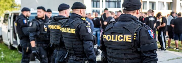 V Brně měl vraždit zdrogovaný člen Slušných lidí. Údajně zabil muže kladivem, následně ukradl auto a ujížděl policistům