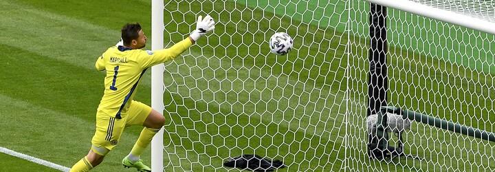VIDEO: Brilantný gól takmer z polovice ihriska. Sleduj, ako sa český útočník vyznamenal v zápase proti Škótom
