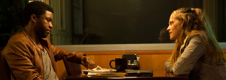 Chadwick Boseman sa v drsnom akčnom thrilleri Message from the King prichádza pomstiť za vraždu svojej sestry