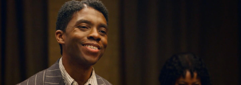 Chadwick Boseman vyhrál Zlatý glóbus za nejlepší mužský herecký výkon. Předávání cen ovládly filmy Nomadland, Minari, ale i Borat