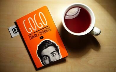 Chalan z internetu, ktorý dokázal z oranžovej izbičky dobyť česko-slovenský YouTube, vydal svoju prvú knihu. Aká je?