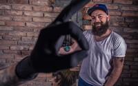 Charitatívna tetovacia akcia Zkruhu už deviaty rok pomáha tým, ktorí to potrebujú najviac. Prispieť môže každý