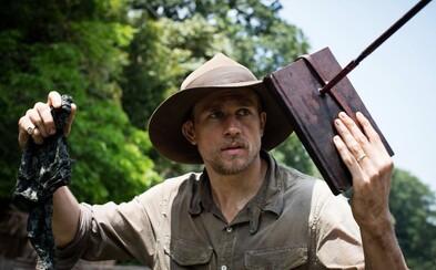 Charlie Hunnam objavuje v amazonských pralesoch dôkazy o vyspelej civilizácii. The Lost City of Z prichádza s akčným trailerom