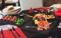 Chceš ochutnať netradičné sushi s najkvalitnejším japonským mäsom? Pripravia ti ho priamo v centre Bratislavy
