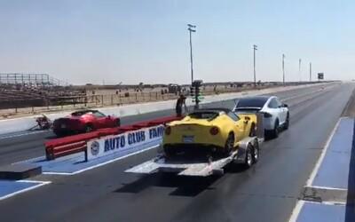 Chcete ještě více ohromit na sprintu s Alfou 4C? Postavte ji na přívěs zapřažený Teslou!