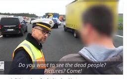 """""""Chcete si fotit mrtvoly? Pojďte!"""" Německý policista převychoval Čecha a Maďara, kteří si fotili tragickou nehodu"""