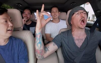 Chester Bennington natočil pouhých 6 dní před svou smrtí veselé Carpool Karaoke. Rodina se rozhodla zveřejnit ho na jeho počest