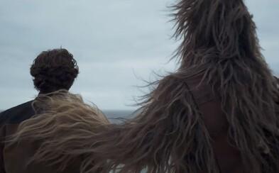 Chewbacca, Millenium Falcon a zimomriavkový vizuál Star Wars. Legenda menom Han Solo ožíva v prvom traileri očakávaného prequelu