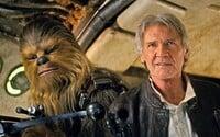 Chewbacca sa pripája k sólovke Han Sola!