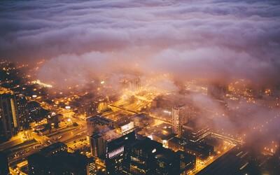 Chicago obalené do hmly oplýva krásnou tajomnou atmosférou