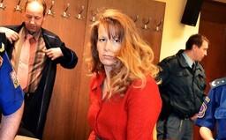 Chladnokrevný masakr: Zienertová ubodala a udusila své 4 děti. Stala se tak jednou ze tří žen v Česku, které dostaly doživotí